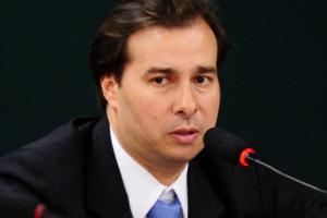 Deputado Rodrigo Maia, do RJ, é o presidente da Câmara de Deputados e tem o poder de colocar ou não em pauta o projeto de terceirização total, que arrasa os direitos dos trabalhadores no Brasil. Envie seu e-mail para ele!